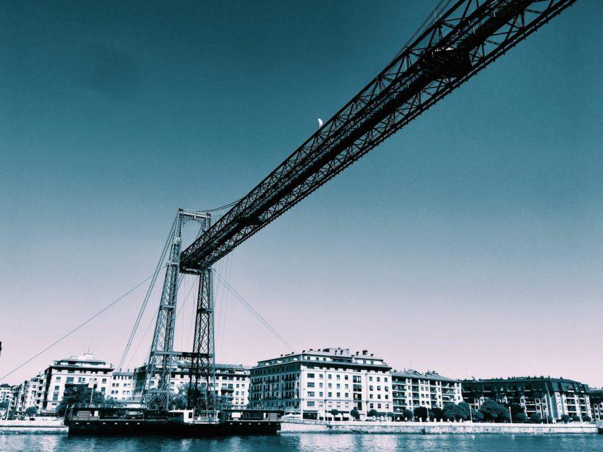 Navegación en puerto: El Puente de Vizcaya